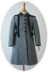 Girl's 100% wool coat in grey with hood