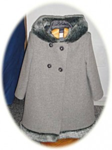 Girl's coat with fur-trimmed hood