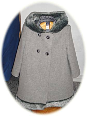 Girl's coat with fur-trimmed hood