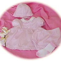 Premature baby's dress