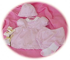 Premature baby's dress