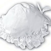 Baby girl's frilly sun hat