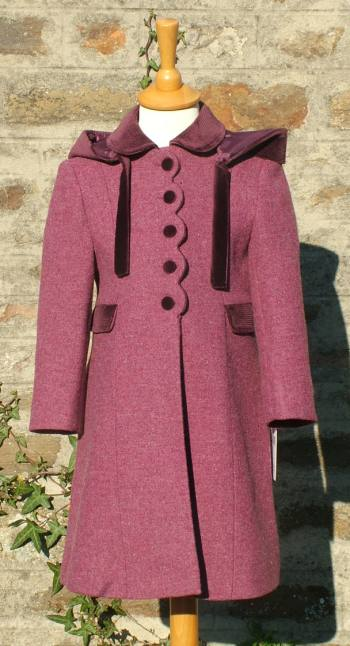 94e16014 Girl's traditional winter coats with hood. Girl's 100% wool coat in red  with hood