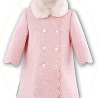 Little girl's coat with fur collar