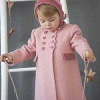Girl's classic coat and bonnet