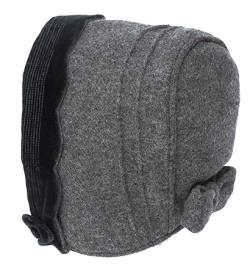 Little girl's bonnet in grey