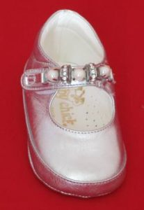 Leather shoes for a baby girl