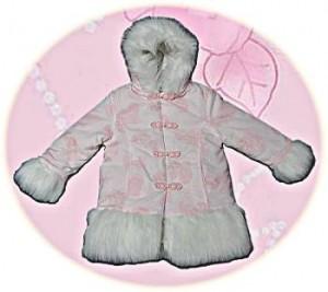 Little girl's hooded coat